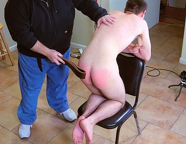 content/190727102-palmers-first-spanking-part-2/1.jpg